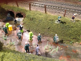 BREAKING NEWS! Riot Police at Toxic Waste Sludge!